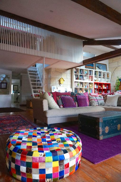 HOTEL DE VILLE, CHARME ET TRES BEAUX VOLUME POUR CET APPARTEMENT