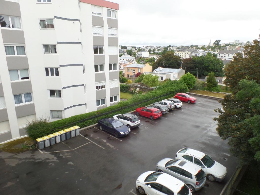 BREST KERINOU LANREDEC NEAR ISEN AND RED CROSS: T2 apartment (51 m²) for sale