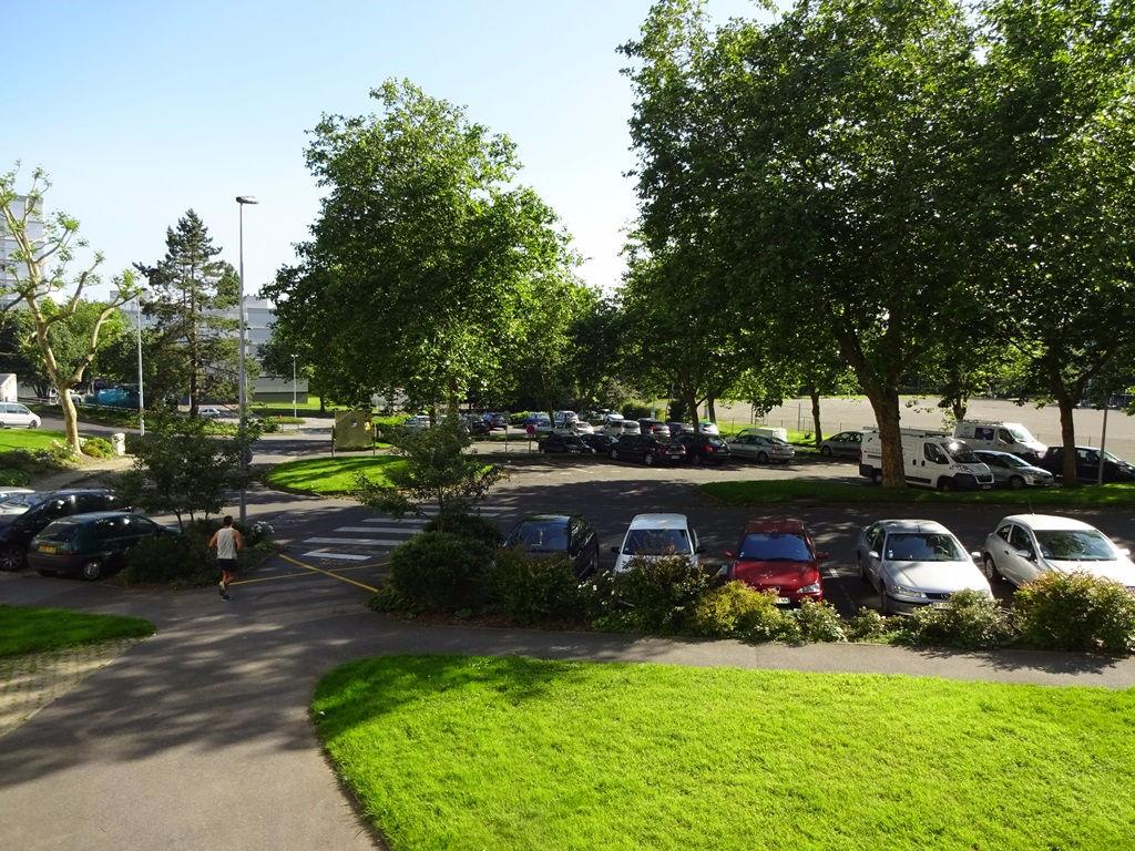 A VENDRE BREST BELLEVUE APPARTEMENT T4 de 78 m² Surface utile 83 m²  ASCENSEUR PARKING EN SOUS-SOL