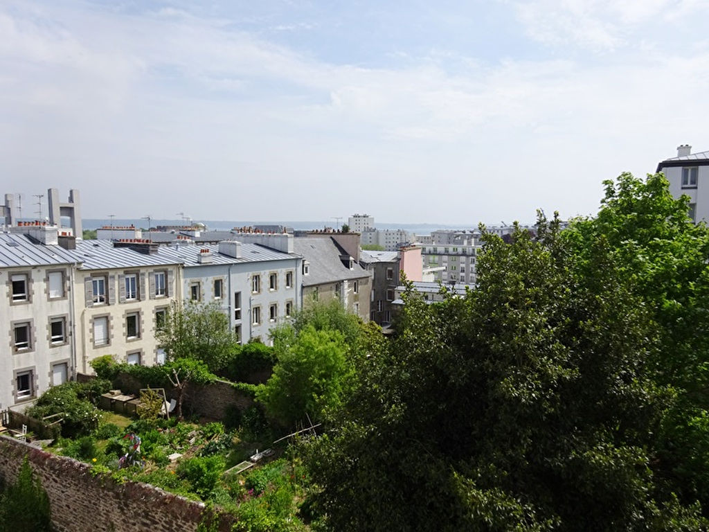 A LOUER BREST RECOUVRANCE APPARTEMENT T3 DE 67.70 M² PARKING PRIVATIF