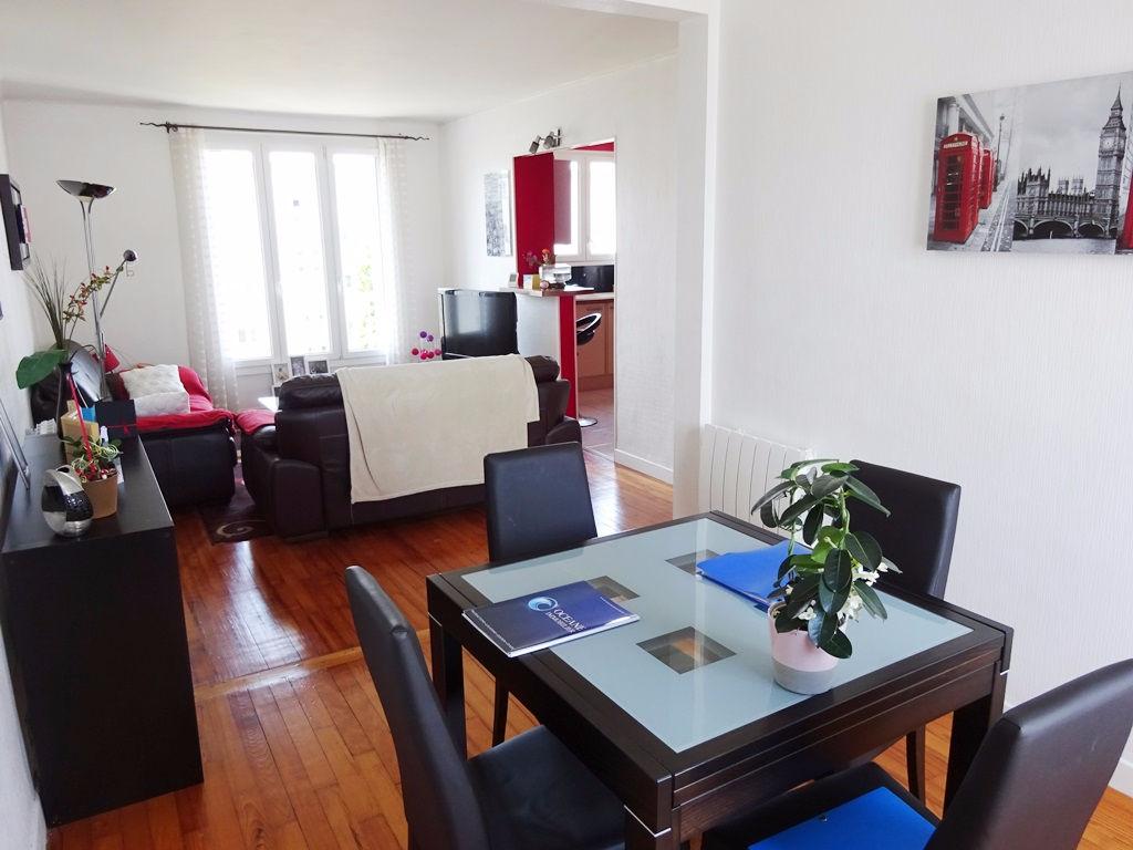 A VENDRE BREST PETIT PARIS APPARTEMENT T4 de 64 m² DALLE BÉTON