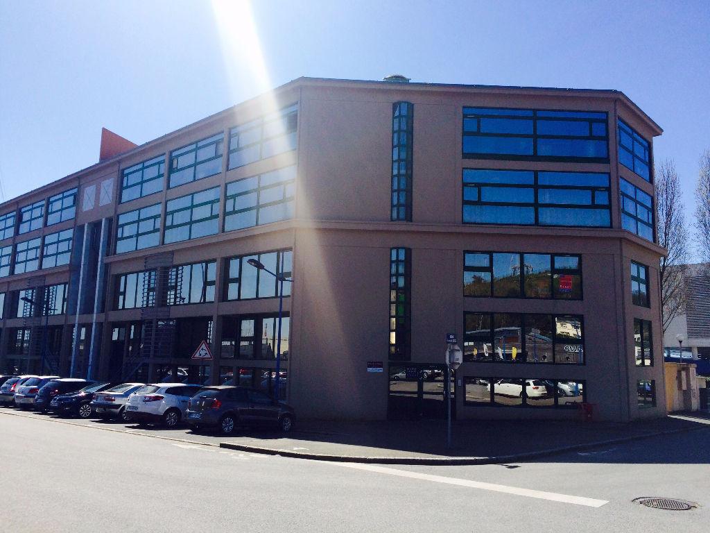 A LOUER BREST PORT DE COMMERCE BUREAUX sur 215 m² ASCENSEUR