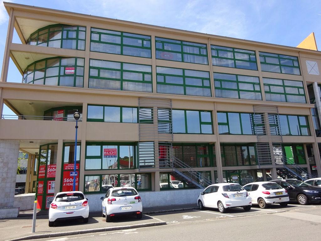 A LOUER BREST PORT DE COMMERCE BUREAUX sur 96 m² REZ DE CHAUSEE
