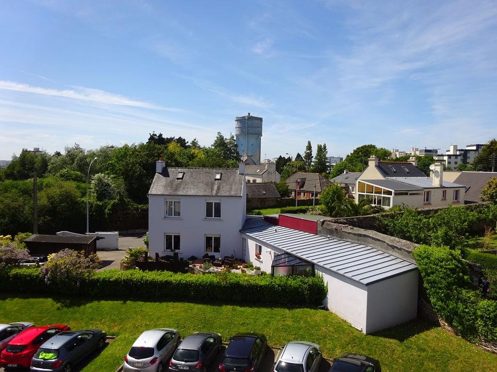 A LOUER BREST LAMBEZELLEC PEN AR CLEUZ'H BUREAUX SUR 106 m² ASCENSEUR