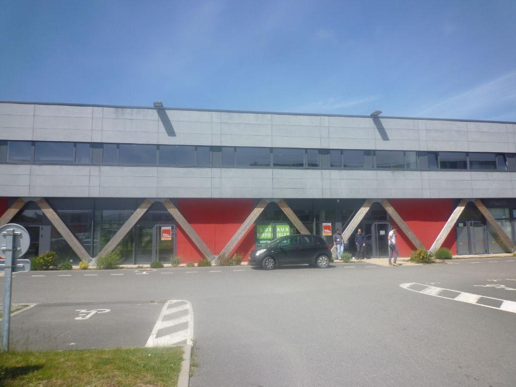 A LOUER BUREAUX OU LOCAL D'ACTIVITE NEUF - 352 m² - PRAT PIP GUIPAVAS
