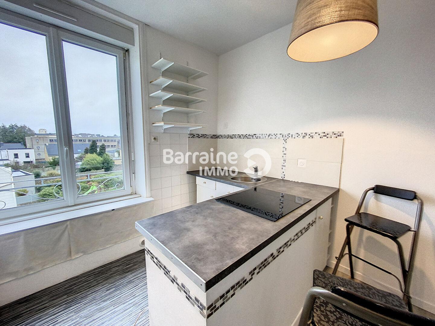 LOCATION - BREST - LAMBEZELLEC - T1 BIS - 32.49 m² -