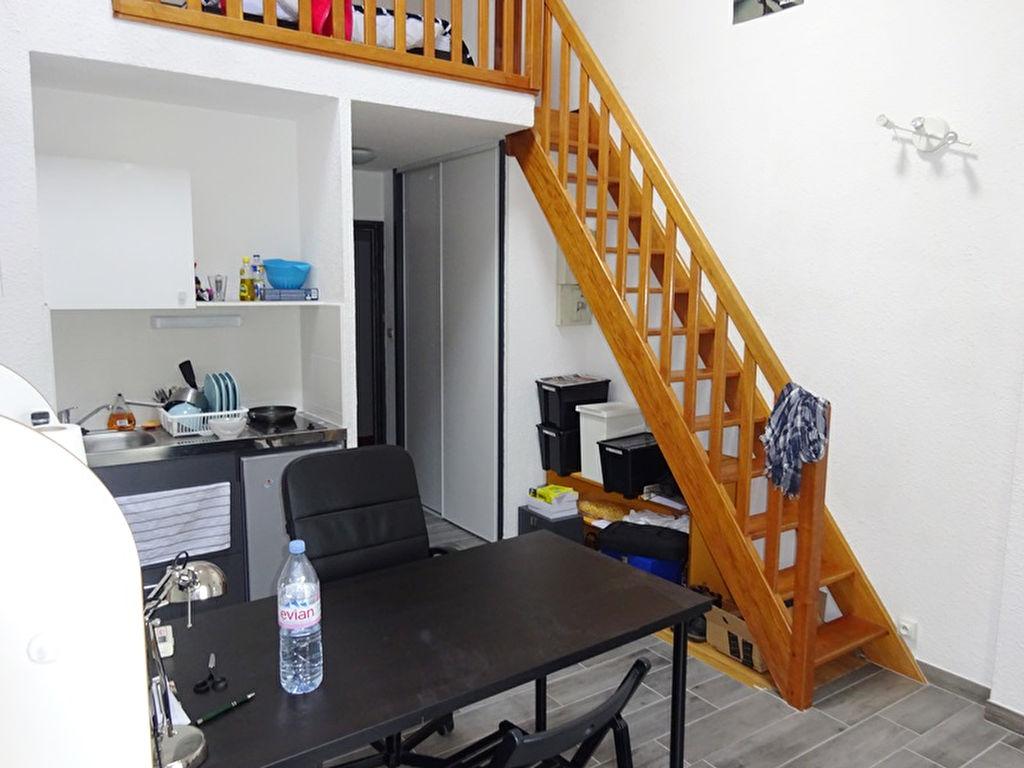 A LOUER BREST KERINOU T1 BIS DUPLEX MEUBLE DE 27.55 m²