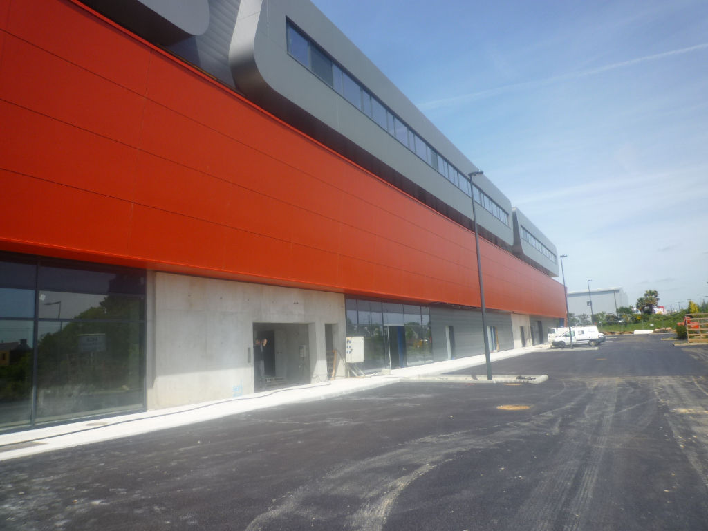 A VENDRE BREST PROCHE BOULEVARD DE L'EUROPE GRAND LOCAL COMMERCIAL NEUF de 4982m²