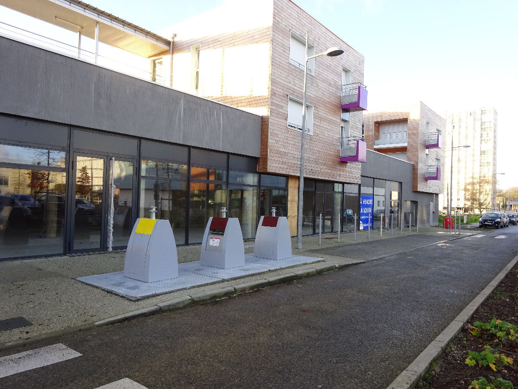 A VENDRE LOCAL COMMERCIAL NEUF avec parking en sous sol - BREST QUARTIER DE L'EUROPE - 228m²