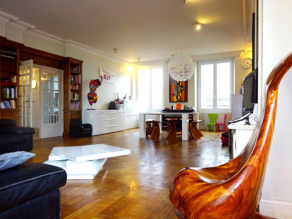 A VENDRE BREST SIAM TRIANGLE D OR MAISON T8 de 220 m² HABITABLES et 250 m² de surface utile