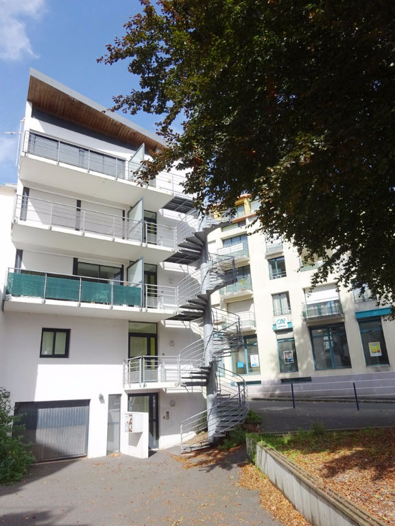 EXCLUSIVITÉ   A VENDRE  BREST  SAINT MARC  APPARTEMENT T3 de 65M²  ASCENSEUR  TERRASSE