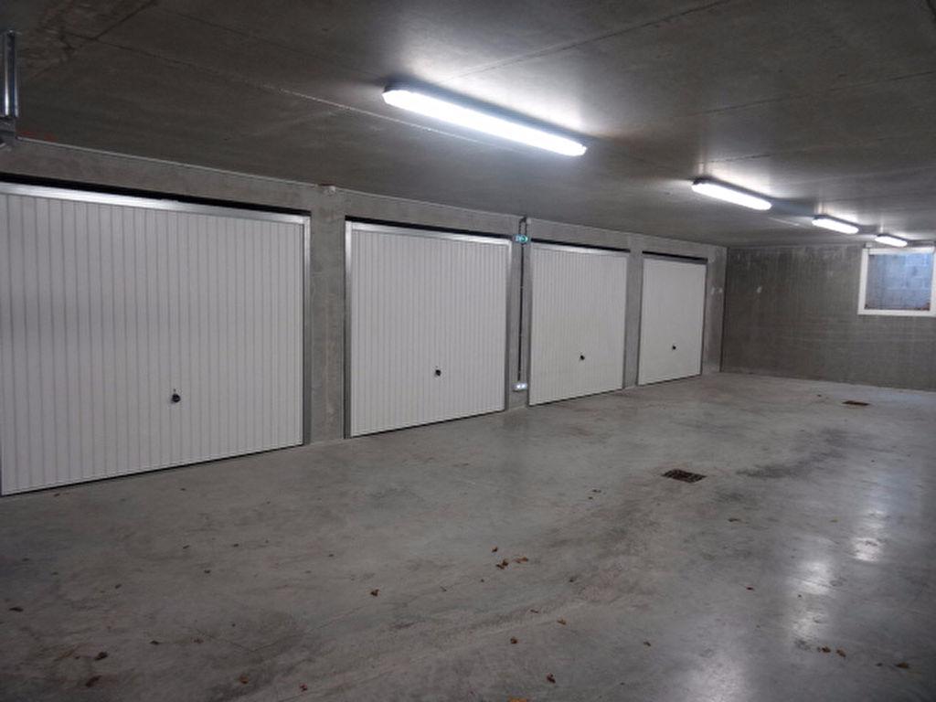 A VENDRE BOURG DE PLOEMEUR GARAGE DOUBLE de 28m² EN SOUS SOL