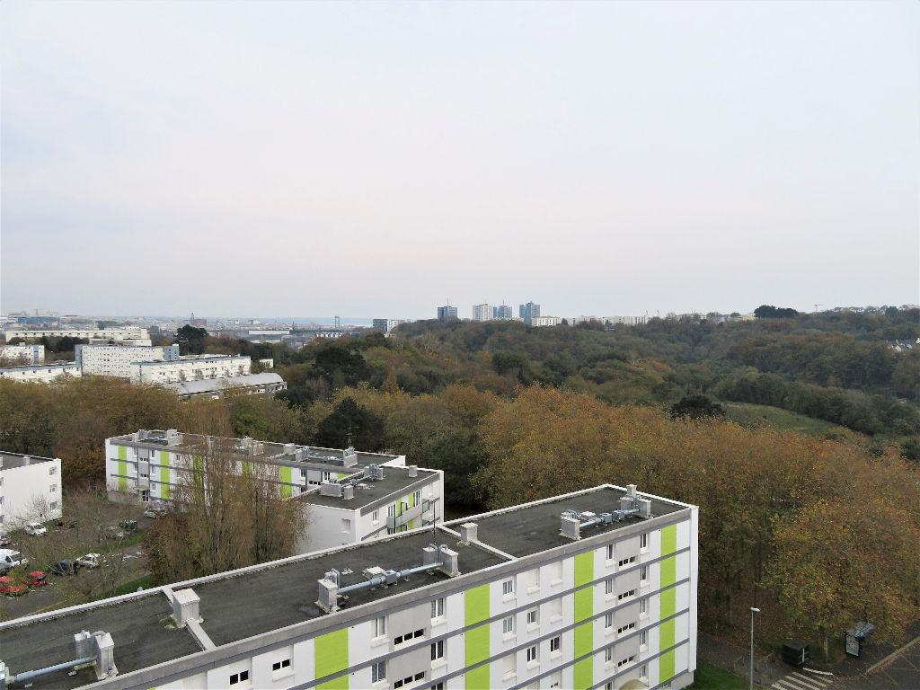 A VENDRE  BREST  KERGOAT APPARTEMENT T3  65.50 m2 2 CHAMBRES   ASCENSEUR