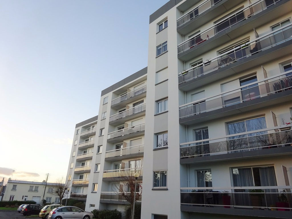 EXCLUSIVITÉ  A VENDRE  BREST  GUELMEUR  SAINT MARC  APPARTEMENT T3 de 60m² BALCON  PARKING