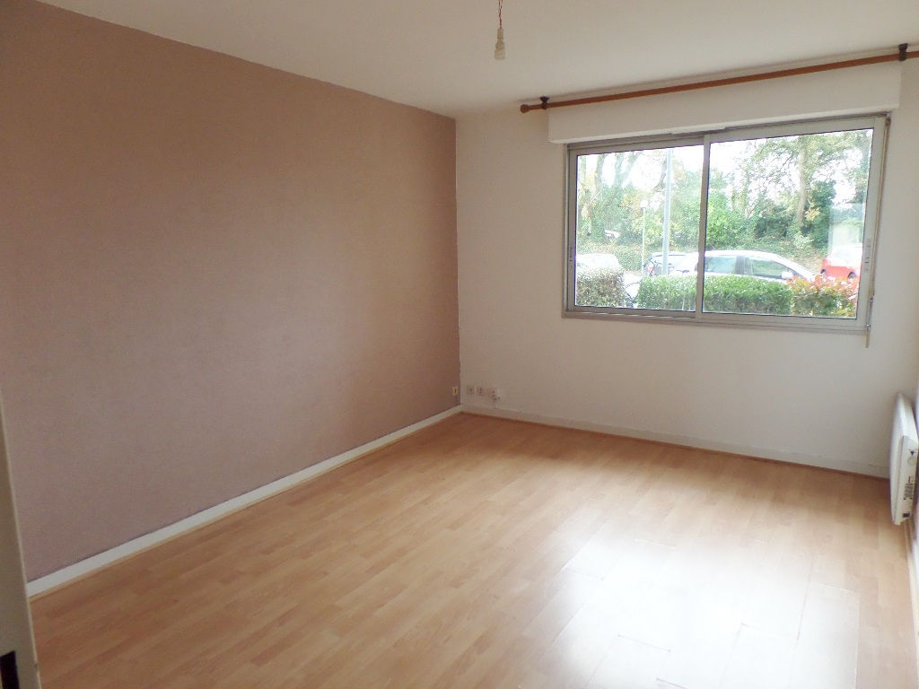 A VENDRE  BREST  LAMBEZELLEC  APPARTEMENT T2  43.50m²  PARKING PRIVATIF