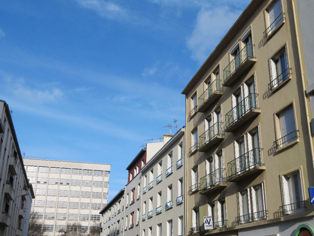 A VENDRE  BREST  CENTRE LIBERTE  APPARTEMENT T3  63.52 m²  GARAGE   DALLE BETON