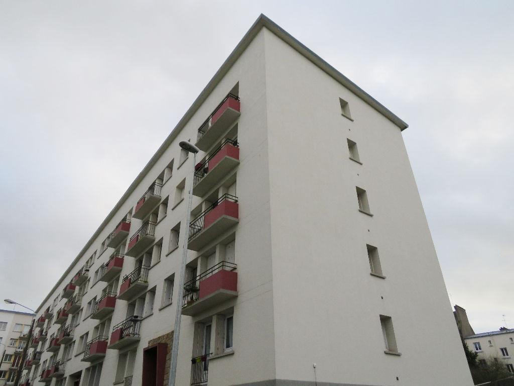A VENDRE  BREST  SAINT LUC  APPARTEMENT T3  58.63 m²  GARAGE    DERNIER ETAGE DALLE BETON
