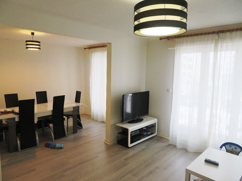 A VENDRE  BREST  BELLEVUE  APPARTEMENT T5  92 m2  BALCON  PARKING