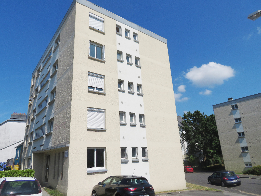 A VENDRE  BREST  KERICHEN KERINOU  APPARTEMENT T2  50 m2  ASCENSEUR  PARKING