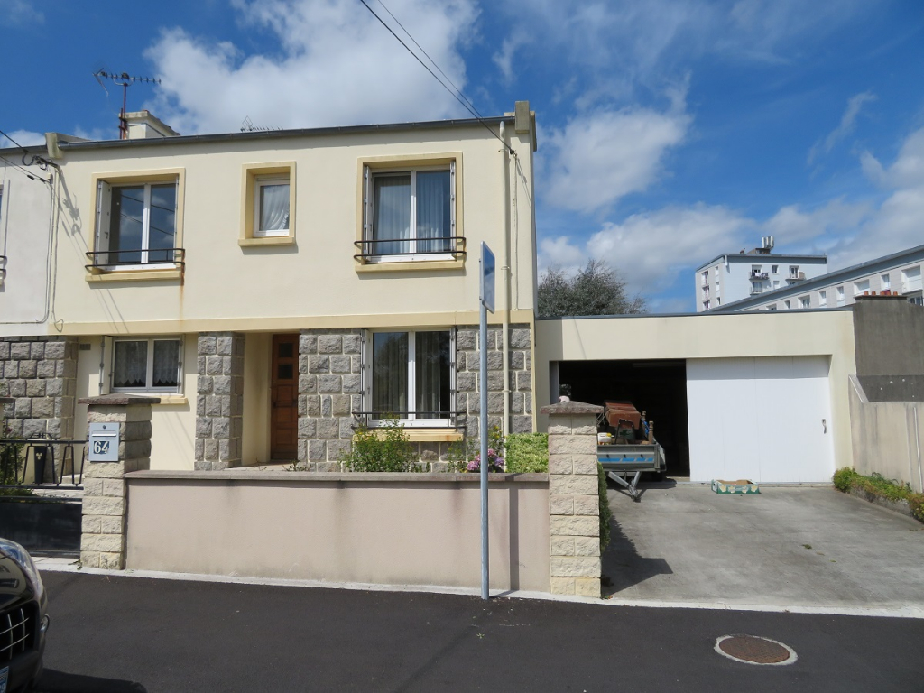 A VENDRE BREST SAINT PIERRE MAISON T6 -95 m2 - GARAGE 32 m2.