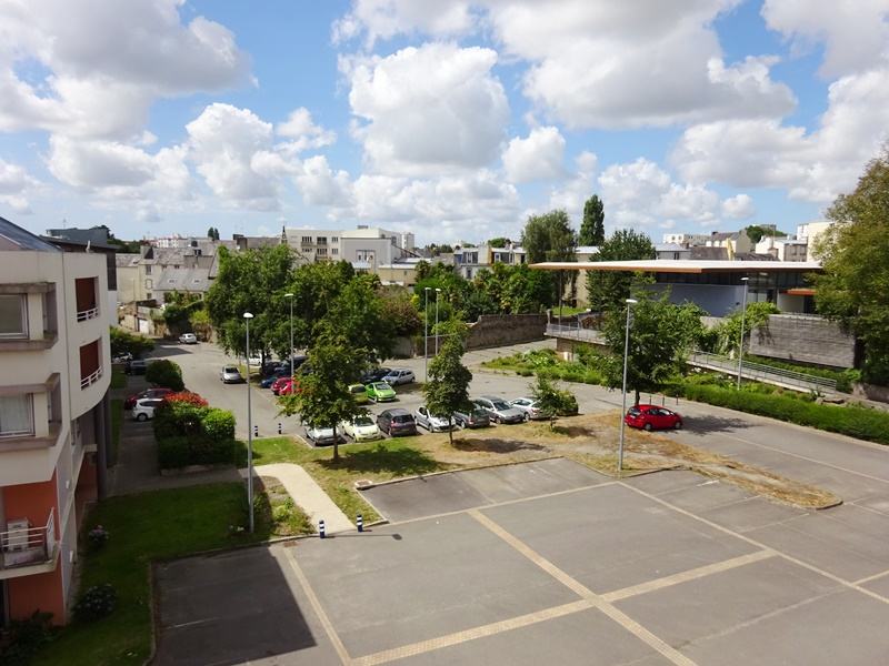 A VENDRE BREST KERINOU KERICHEN CROIX ROUGE T1 BIS DUPLEX MEUBLE DE 26.25 m²  MEUBLÉ PARKING
