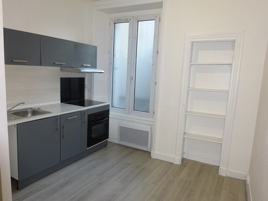 A VENDRE BREST SAINT MICHEL APPARTEMENT T2Bis DUPLEX 47 m² PLEIN CENTRE
