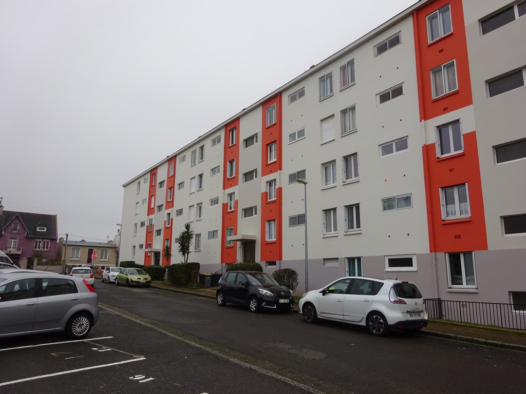 FOR SALE BREST LE GUELMEUR APARTMENT T4 80 M² SMALL SEA VIEW PRIVATE PARKING