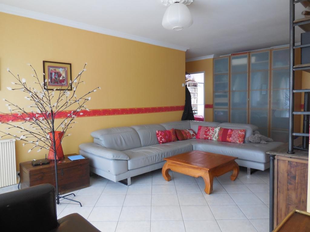 Appartement type III avec balcon et garage