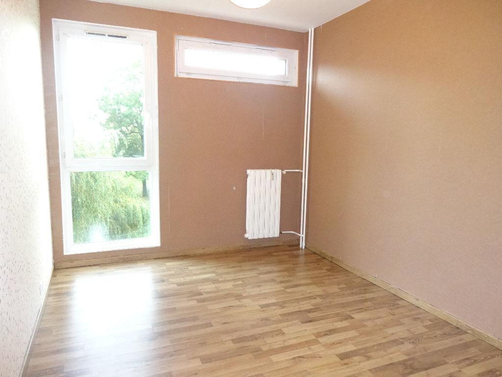 Appartement 3 pièces  Lys Lez Lannoy