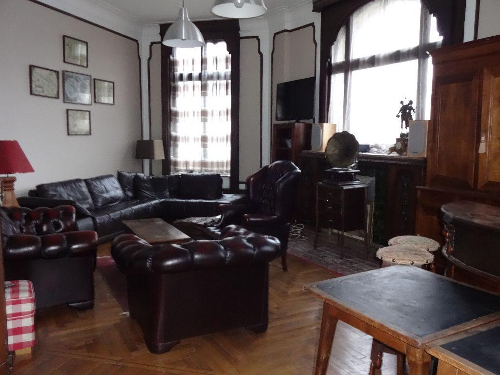 Maison bourgeoise 6 chambres Roubaix Jardin
