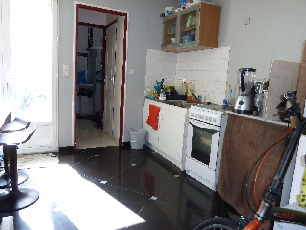 Maison d'impasse 2 chambres + bureau - Petit Extérieur