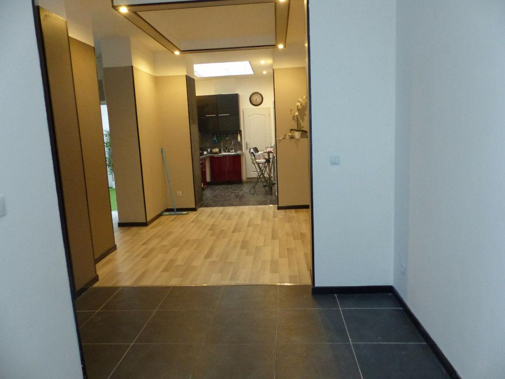 Maison Roubaix 4 chambres garage impeccable