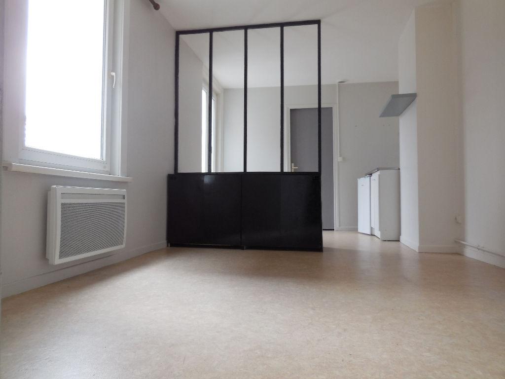 Lys lez Lannoy studio rue Jules Guesde