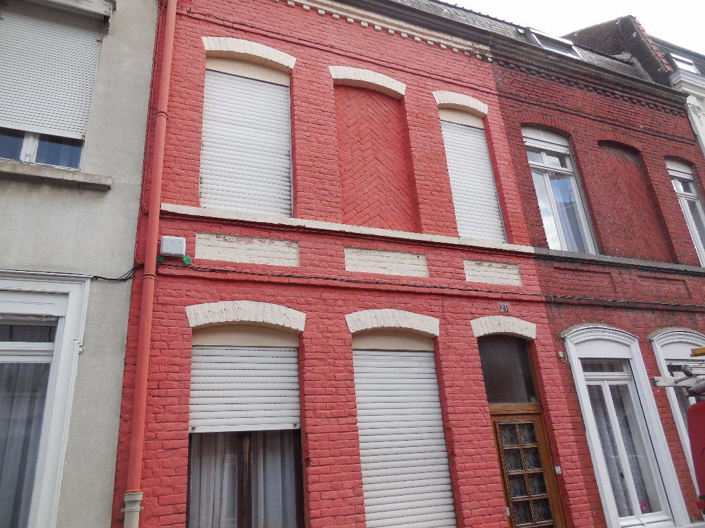 Maison Roubaix 4 chambres avec cour aérée prox centre ville