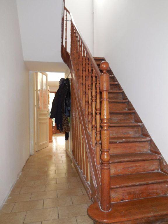 Nouveau Roubaix, place du travail, grande maison 4/5 chambres avec cour