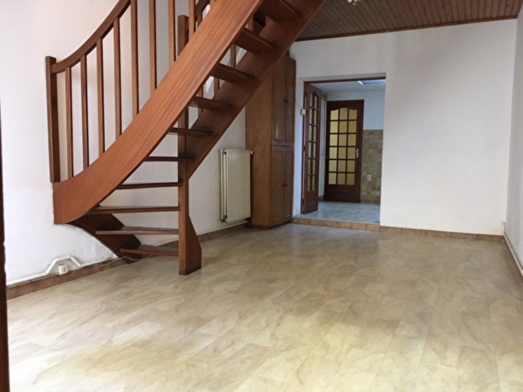 Roubaix Maison à louer 4 chambres Cour