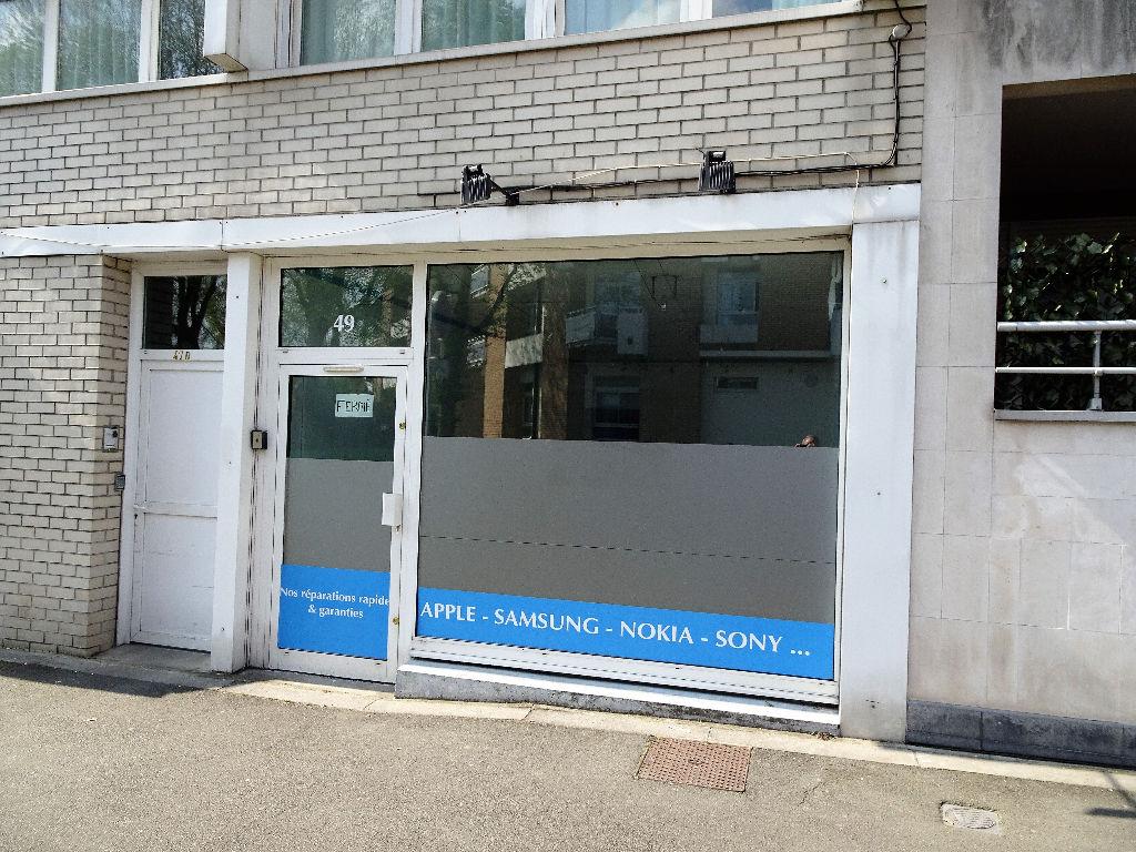 Local Commercial Croix centre
