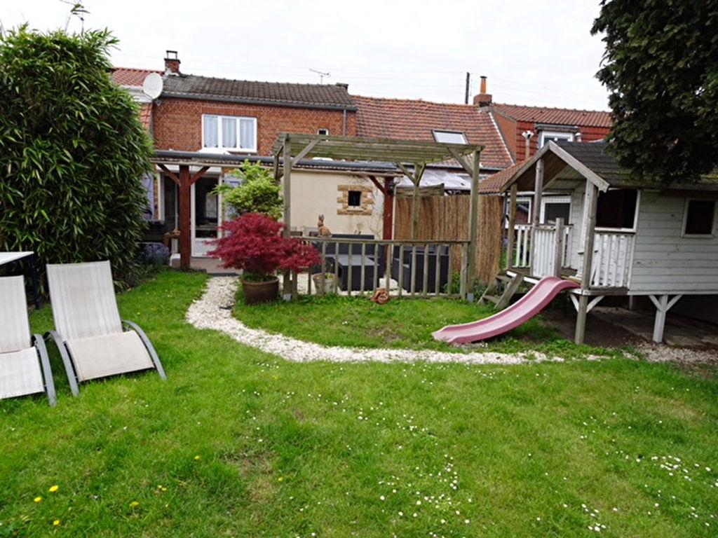 Wattrelos, maison 3 chambres et jardin arboré