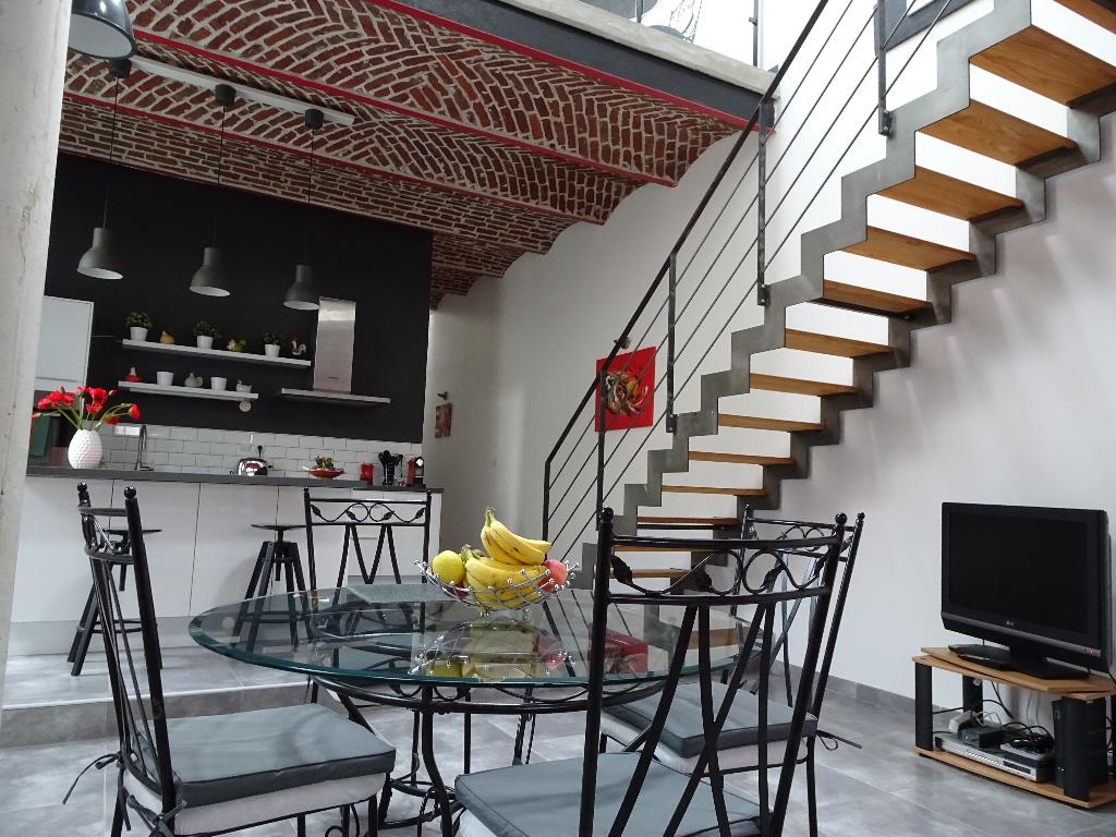 Loft limite Leers/Wattrelos 165,55m² avec Garage