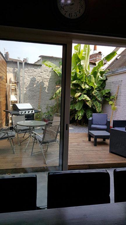 Roubaix Place du Travail Maison avec jardin et commerce