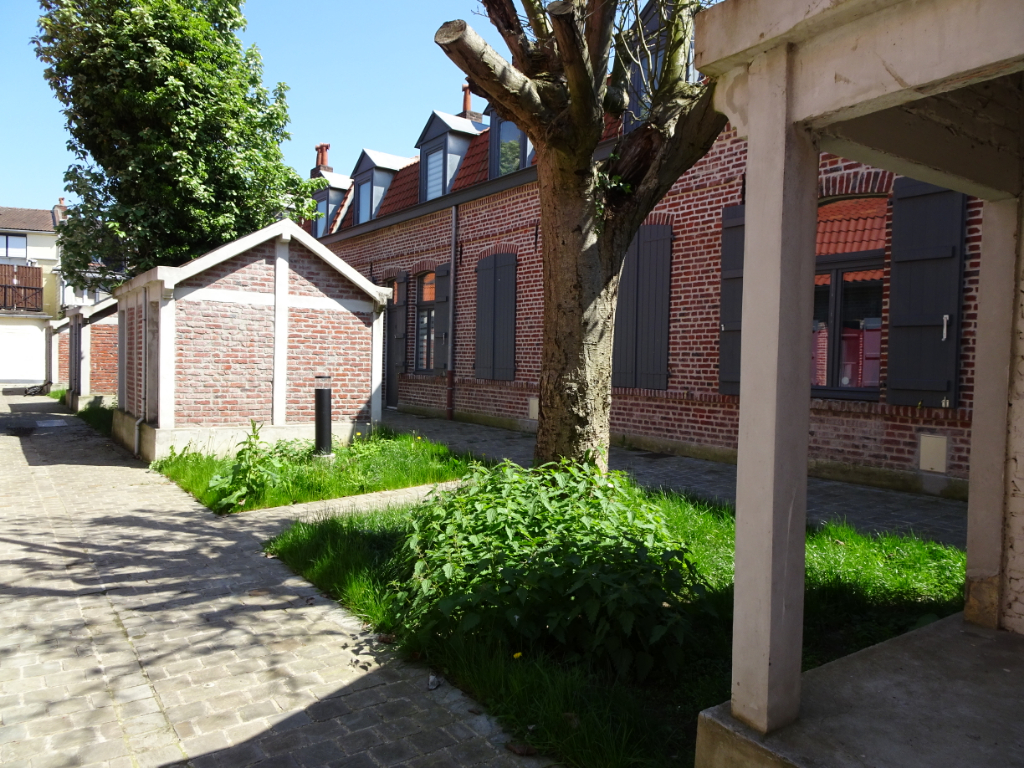 Maison type 3 de Gaulle courée classée, métro, tramway