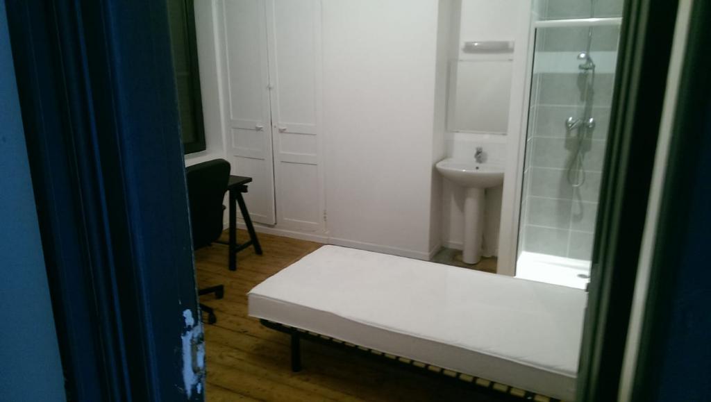 Roubaix Métro De Gaulle. Colocation 5 chambres louées