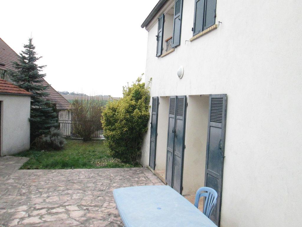 Lizy sur ourcq Maison 3 Chambres, garage, terrain clos