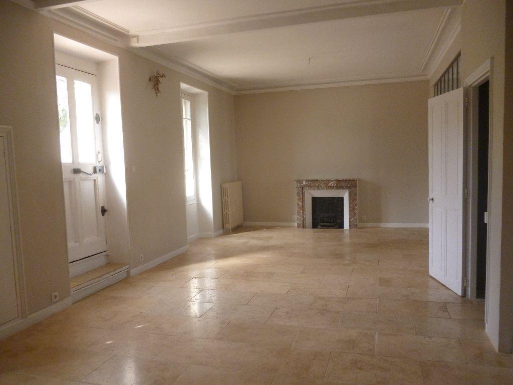 Maison Orange 5 pièce(s) 187 m2