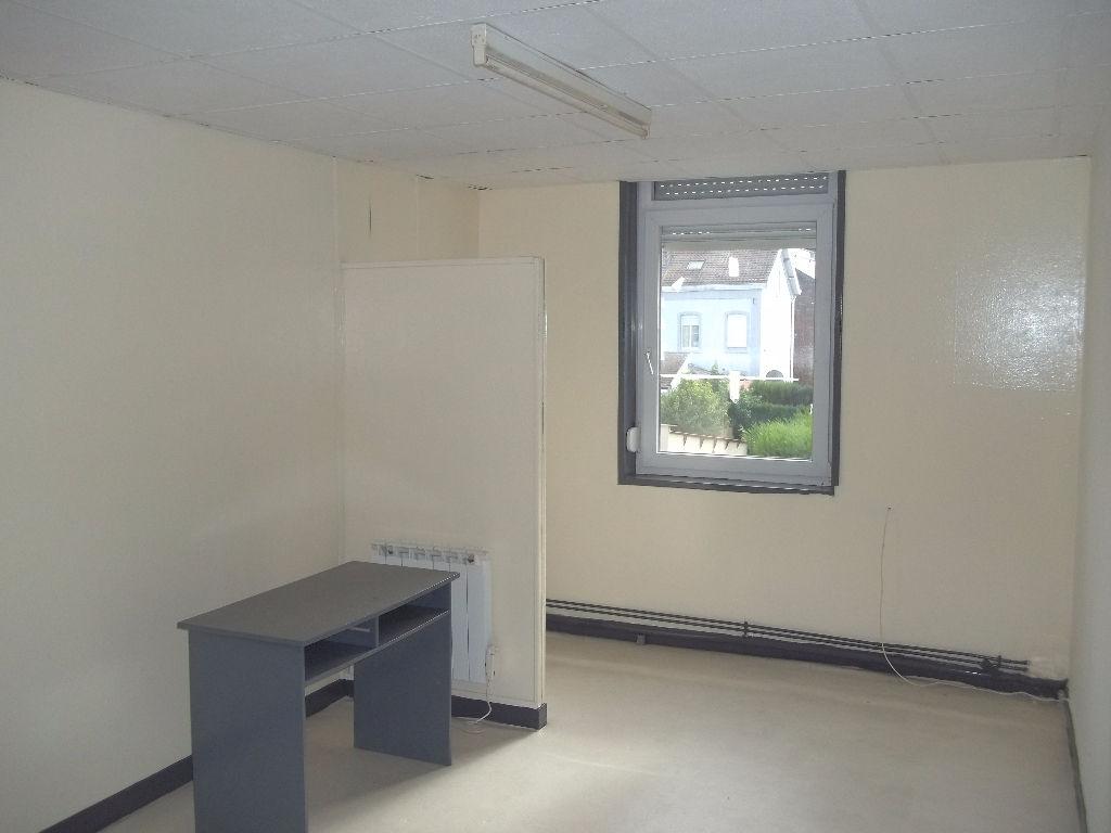 Immeuble de rapport chambre étudiant Trith-Saint-Leger