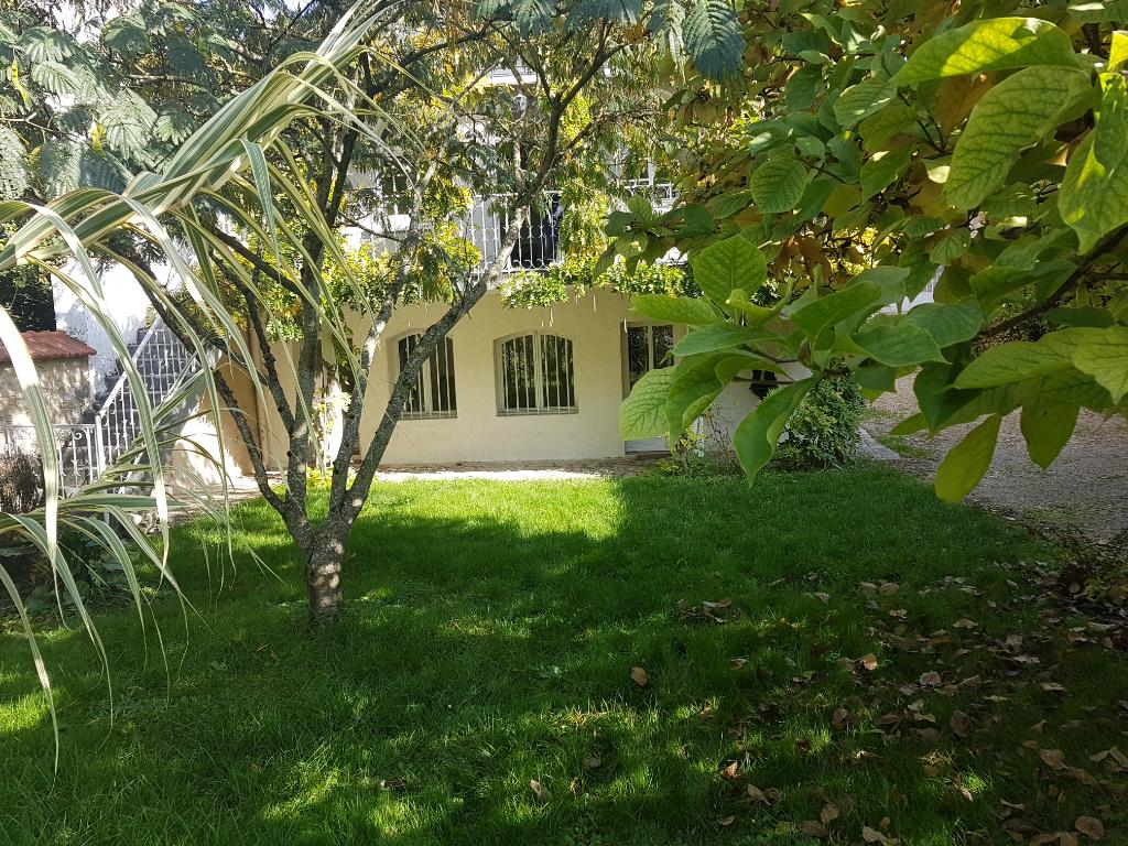 Maison de ville 5 chambres, jardin