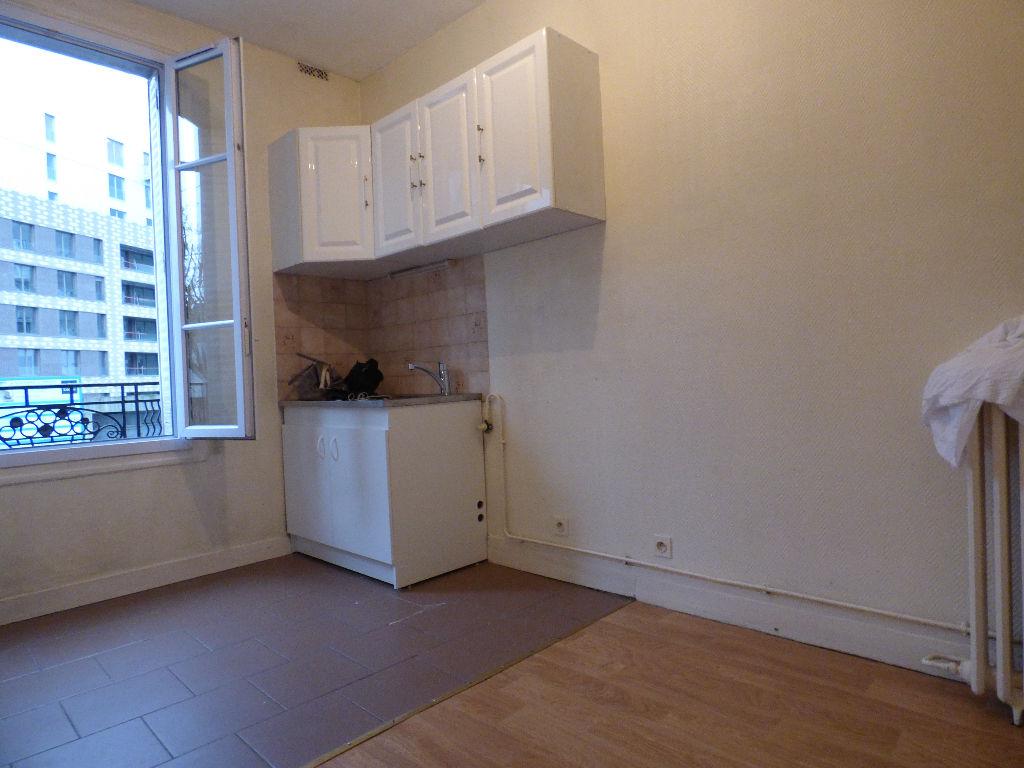 Appartement  Studio 25 m 2