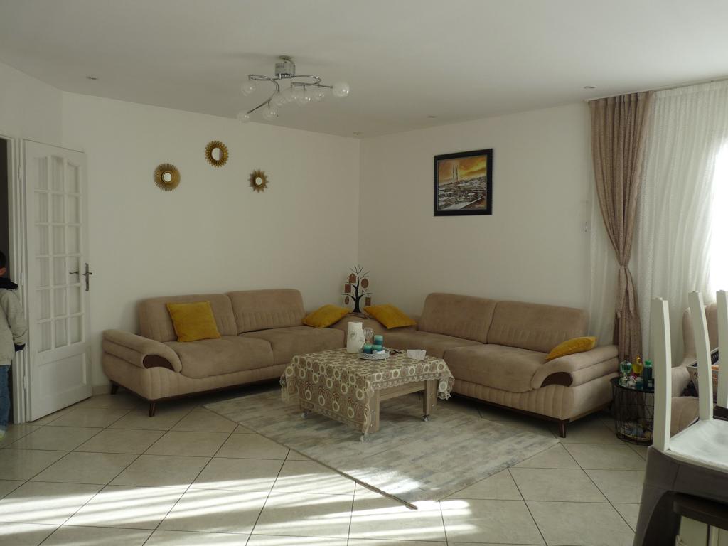 Villa Lunel Nord 6 pièce(s) 160 m2