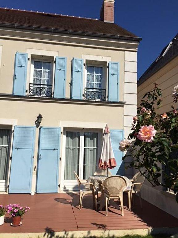 Villa moderne 4 pièces , de 90m2, située à Bailly-Romainvilliers