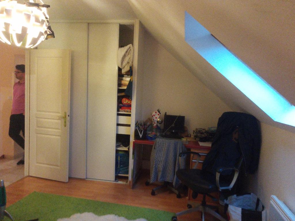 T4 100m² + Gge + terrasse clos, Pavillon 2009 , Neuville aux Bois